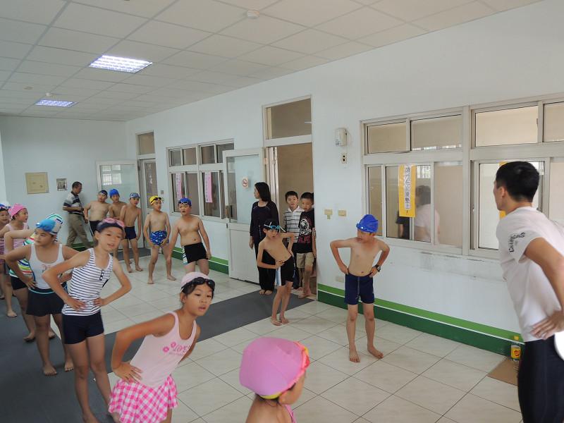http://www.hhps.cyc.edu.tw/uploads/tadgallery/2015_10_02/1655_游泳39.jpg
