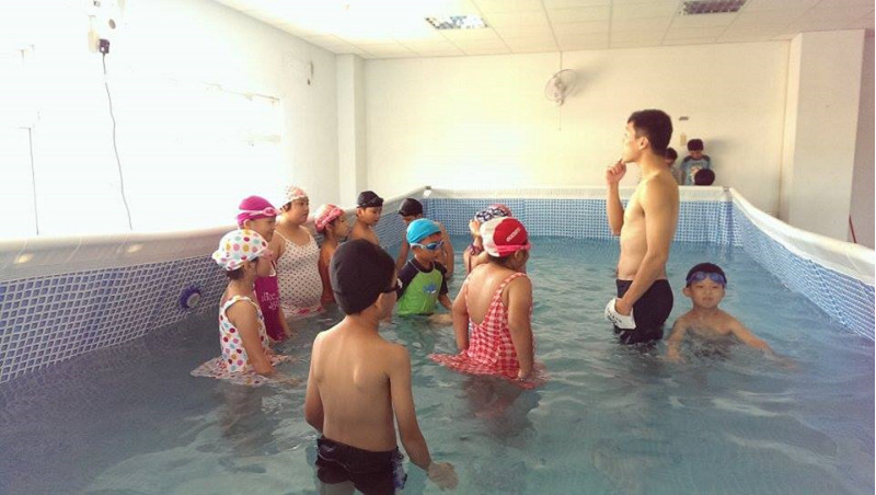 http://www.hhps.cyc.edu.tw/uploads/tadgallery/2015_10_02/1658_游泳20.jpg