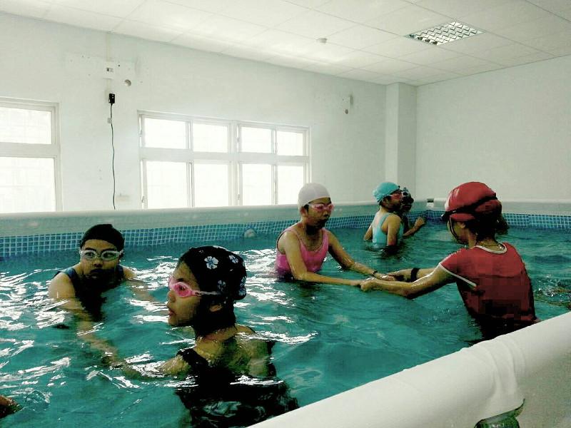 http://www.hhps.cyc.edu.tw/uploads/tadgallery/2015_10_02/1664_游泳06.jpg