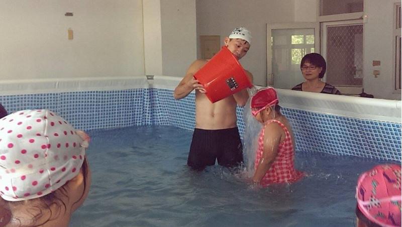 http://www.hhps.cyc.edu.tw/uploads/tadgallery/2015_10_02/1665_游泳13.jpg