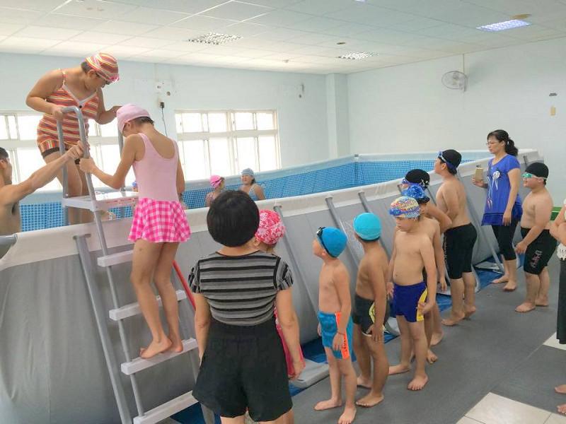 http://www.hhps.cyc.edu.tw/uploads/tadgallery/2015_10_02/1678_游泳23.jpg