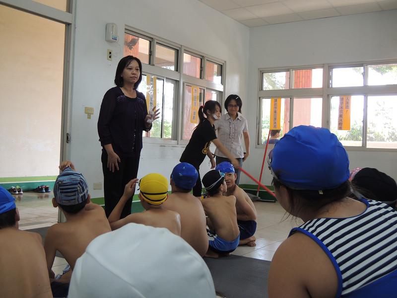 http://www.hhps.cyc.edu.tw/uploads/tadgallery/2015_10_02/1680_游泳38.jpg